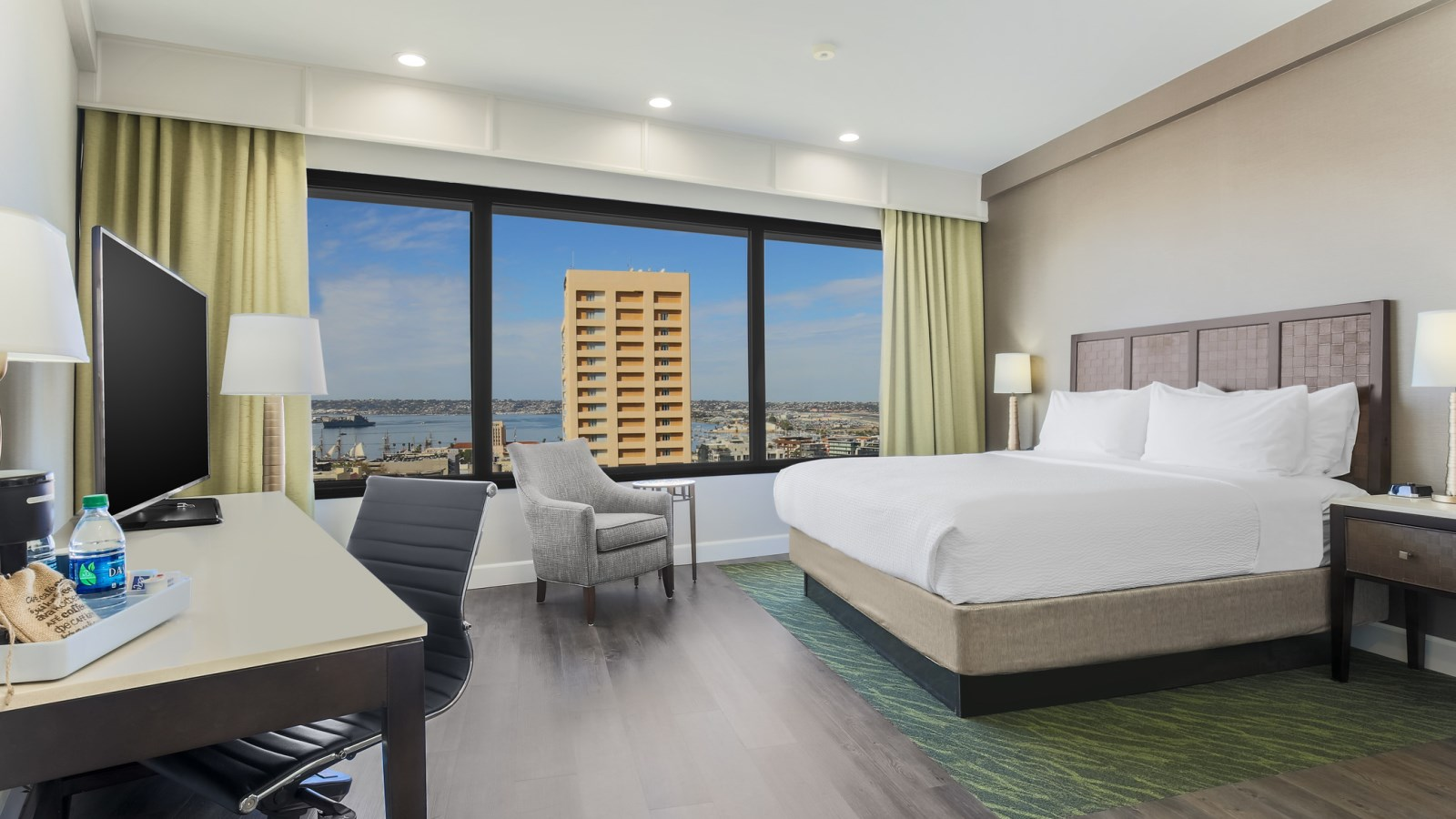 Deluxe King Room - Four Points San Diego Downtown
